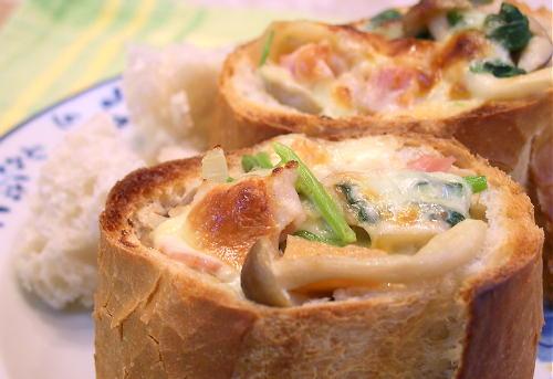 大根キムチ入りシチューのフランスパン包みレシピ