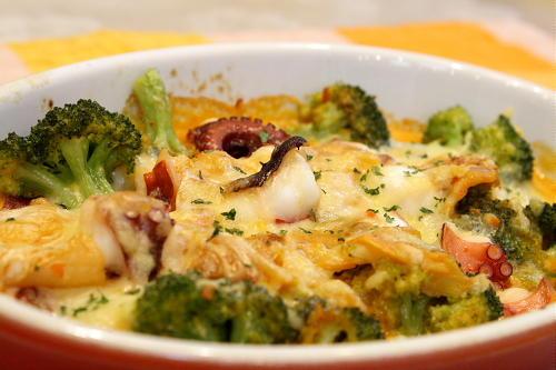 タコとブロッコリーのキムチグラタンレシピ