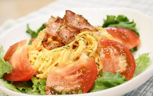 今日のキムチ料理レシピ:卵キムチパスタサラダ