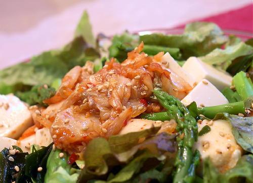 豆腐とわかめのキムチドレッシングサラダレシピ