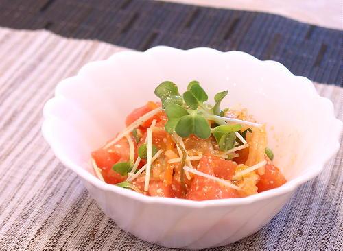 キムチとトマトのサラダレシピ