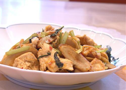鶏肉とごぼうのキムチ炒め煮