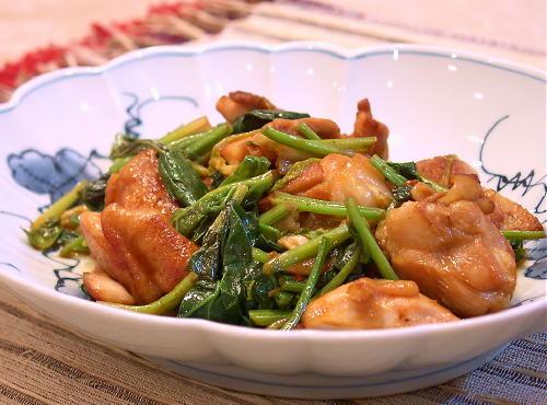 鶏肉とほうれんそうのキムチ炒めレシピ