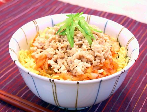 鶏そぼろキムチ丼レシピ