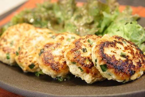 今日のキムチ料理レシピ:豆腐とキムチのつくね