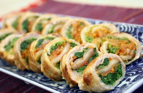 今日のキムチ料理レシピ:豆苗とキムチの豚肉巻き