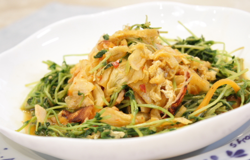 今日のキムチ料理レシピ:豆苗とキムチのさっと煮