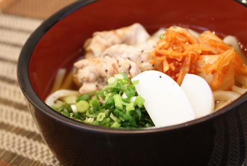 今日のキムチ料理レシピ:シンプルキムチうどん