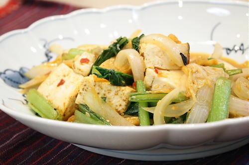 今日のキムチ料理レシピ:焼き豆腐のピリ辛炒め