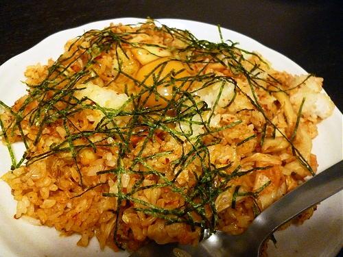今日のキムチ料理レシピ:卵乗せキムチチャーハン