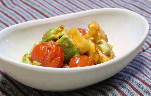 アボカドと大根キムチのマヨ炒めレシピ