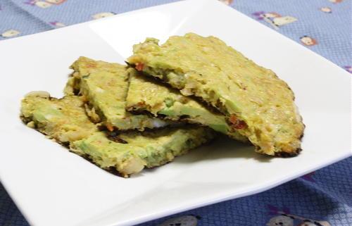 今日のキムチ料理レシピ:アボカドとキムチの卵焼き