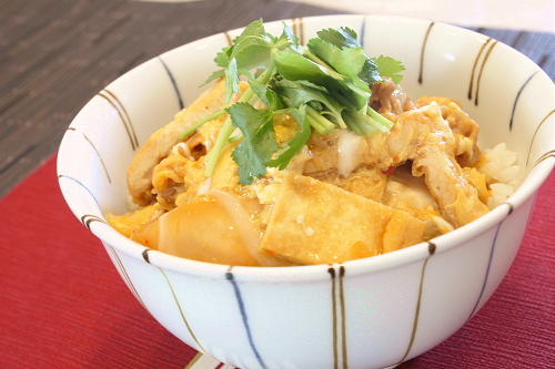 今日のキムチ料理レシピ:油揚げのキムチ丼