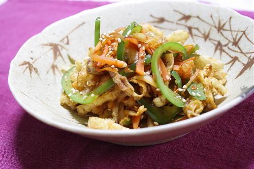 今日のキムチ料理レシピ:油揚げとキムチのきんぴら