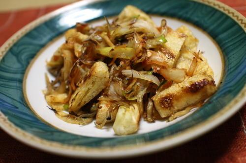 今日のキムチ料理レシピ:油あげのねぎキムチ炒め
