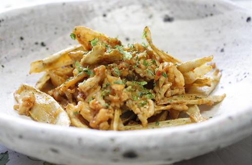 今日のキムチ料理レシピ:揚げごぼうのピリ辛ひき肉がらめ