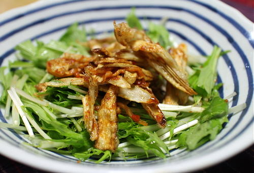 今日のキムチ料理レシピ:揚げごぼうのピリ辛サラダ