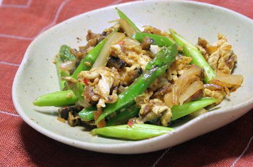 今日のキムチ料理レシピ:アナゴとキムチの卵炒め