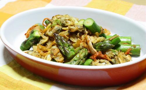 今日のキムチ料理レシピ:アスパラとあさりとキムチのバター炒め