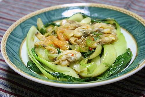 今日のキムチ料理レシピ:青梗菜とあさりのキムチ炒め