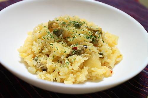 今日のキムチ料理レシピ:あさりのピリ辛リゾット