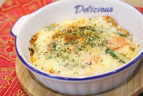 今日のキムチ料理レシピ:アスパラベーコンとキムチのグラタン