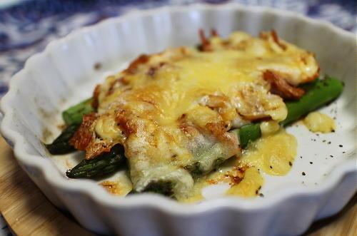 今日のキムチレシピ:アスパラのキムチチーズ焼き