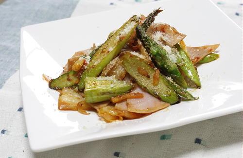 今日のキムチ料理レシピ:アスパラのキムチ炒め