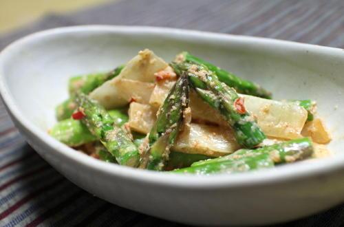 今日のキムチレシピ:アスパラとキムチの胡麻和え