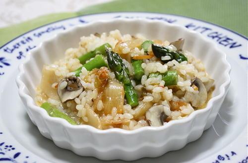 今日のキムチ料理レシピ:アスパラキムチリゾット