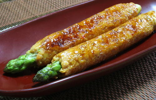 今日のキムチ料理レシピ:アスパラの鶏キムチつくね