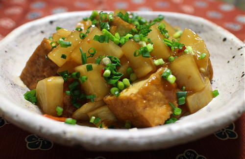 今日のキムチ料理レシピ:厚揚げと大根のキムチ煮