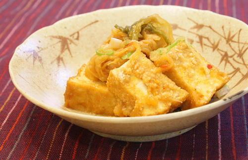 今日のキムチ料理レシピ:厚揚げとキムチの味噌煮込み