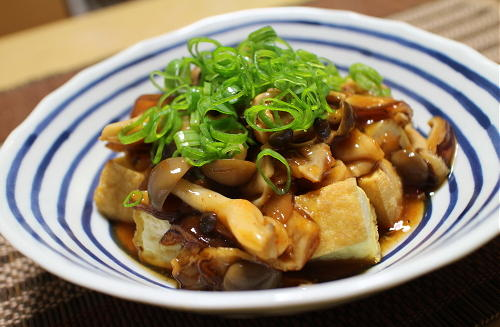 今日のキムチ料理レシピ:厚揚げのピリ辛きのこあんかけ
