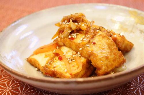 今日のキムチ料理レシピ:厚揚げとキムチのきんぴら