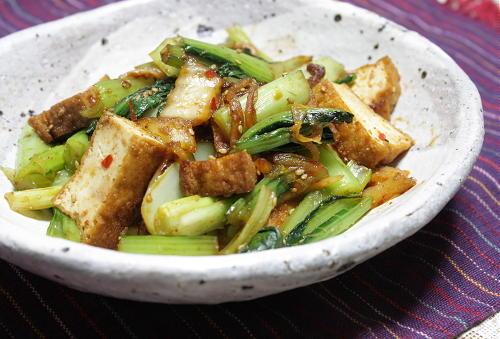 今日のキムチ料理レシピ:厚揚げと小松菜のキムチごま炒め
