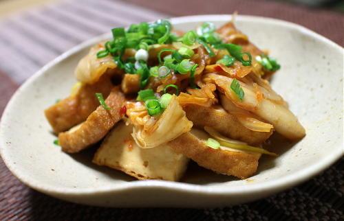 今日のキムチ料理レシピ:厚揚げとキムチのくったり煮