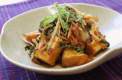 今日のキムチ料理レシピ:厚揚げとキムチの甘酢炒め