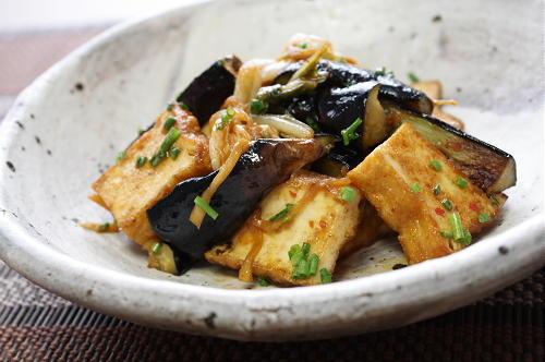 今日のキムチ料理レシピ:厚揚げと茄子とキムチのごま炒め