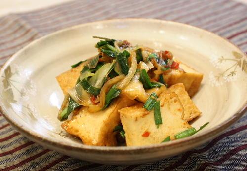 今日のキムチ料理レシピ:厚揚げとキムチの煮物