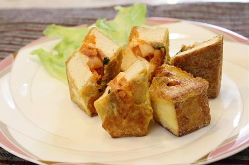 今日のキムチ料理レシピ:キムチ入り厚揚げのピカタ