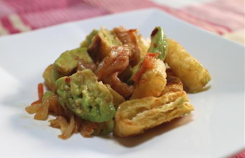 今日のキムチ料理レシピ:アボカドと油揚げとキムチの甘酢和え