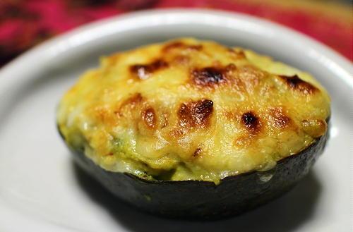 今日のキムチレシピ:アボカドと大根キムチのチーズ焼き