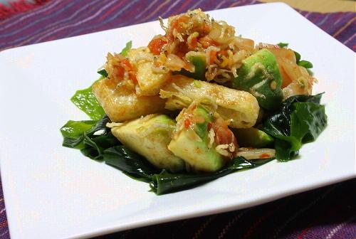 今日のキムチ料理レシピ:アボカドじゃこキムチサラダ