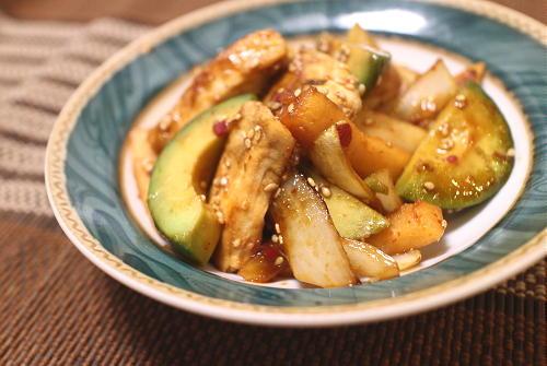 今日のキムチレシピ:アボカドとかじきの大根キムチ炒め