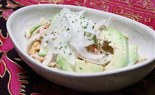 今日のキムチ料理レシピ:アボカドとささみのキムマヨ和え