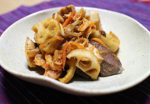 今日のキムチ料理レシピ:ぶりとレンコンとキムチの甘辛煮