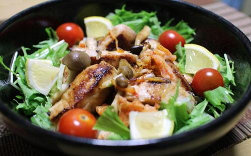 今日のキムチ料理レシピ:ブリとキムチのサラダ