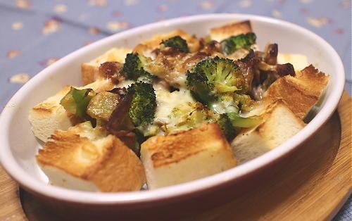 今日のキムチ料理レシピ:ブロッコリーとキムチのパングラタン