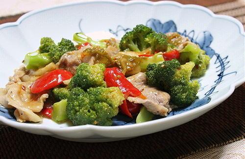 今日のキムチ料理レシピ:ブロッコリーとキムチの中華炒め